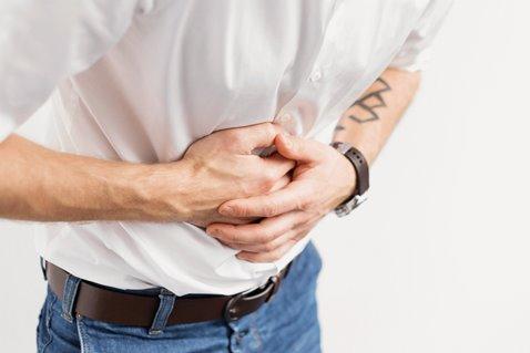 боли в области железы