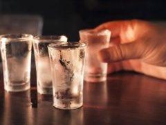 Как распознать и вылечить алкогольный гастрит?