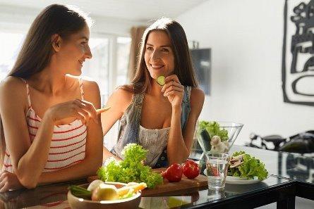 икота во время еды